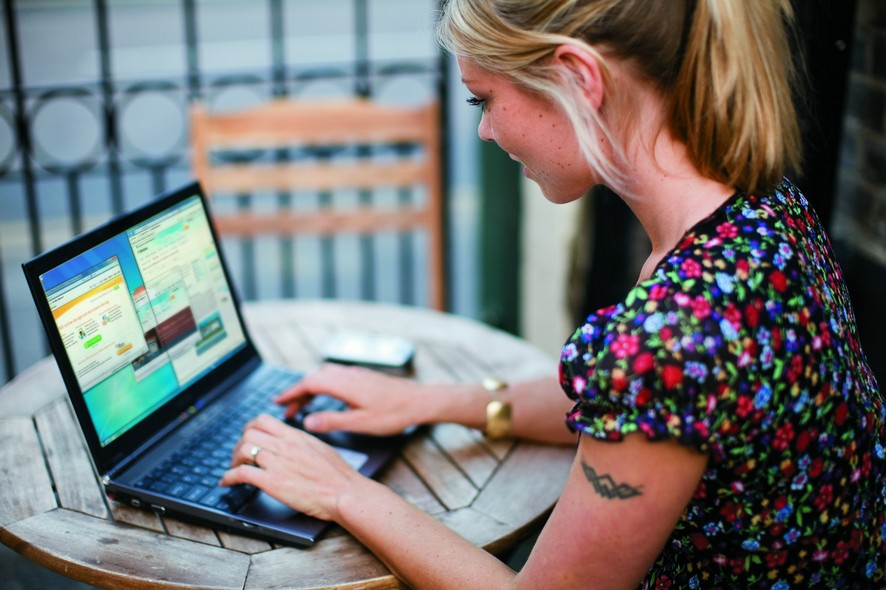 internet dating economics Seven tips for successful online dating whether you're new to the world of online dating or need a refresher on the best ways to enhance your profile, our expert advice will help, says lucy vine.