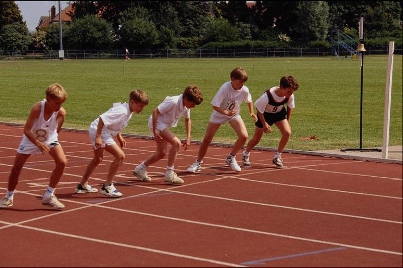 competition in sports In order to come to a conclusion about the positive or negative experiences children have with competitive sports, we must take a number of factors into account firstly, children will gain a positive experience through team building in competitive sports.